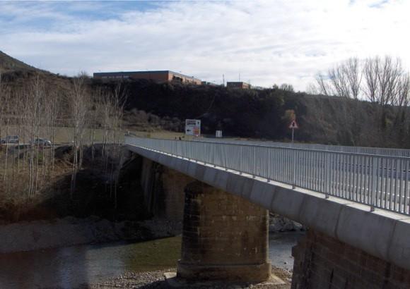 Ampliación puente antiguo ferrocarril -Irati-, sobre el río Salazar, en Lumbier