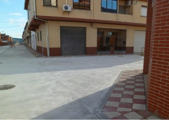Acondicionamiento y Pavimentación de calzada y Reposición de redes de la C/ Valle del Ebro, en Cadreita